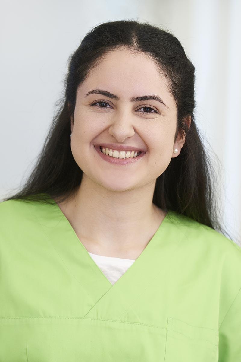 Auszubildende zur Zahnmedizinischen Fachangestellten Berlin Aktas